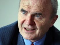 Otmar Issing soll Expertenkommission der Regierung leiten