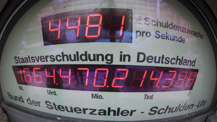 Staatsverschuldung nach der Bundestagswahl: Die Schuldenuhr des Bunds der Steuerzahler