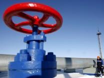 Russland pumpt wieder Gas für Europa in ukrainische Pipelines
