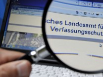 Mit deutscher Gründlichkeit alles geregelt: der bayerische Verfassungsschutz.
