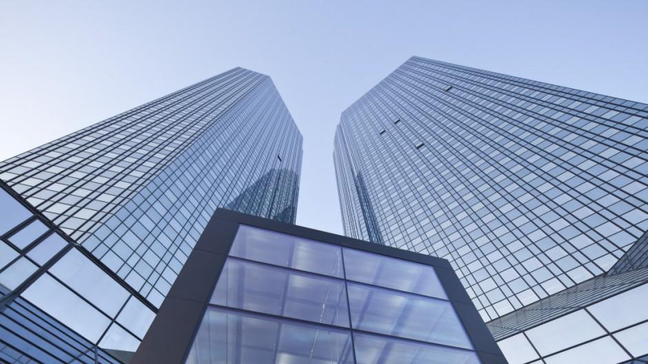 Deutsche Bank prüft Verkauf ihrer Firmenzentrale
