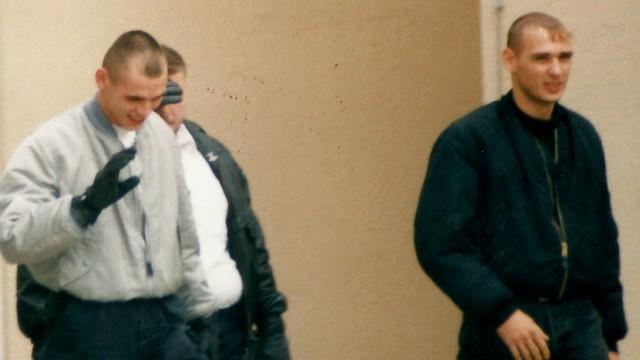 Rechter Terror: Neonazis sollen Politiker-Morde erwogen haben; Neonazis Uwe B. (l.) und Uwe M. (r.), im Herbst 1996 in Erfurt.