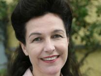 Degetochefin: Abschied von antiquiertem Frauenbild
