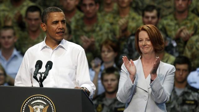 U.S. President Barack Obama speaks to U.S. Marines and Australian troops at the RAAF Base in Darwin