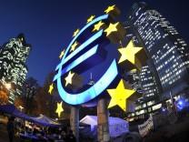 Bankenkritiker wollen in Protestcamp vor der EZB ueberwintern