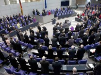 Deputies observe a minute of silence during session about right-wing violence in Berlin
