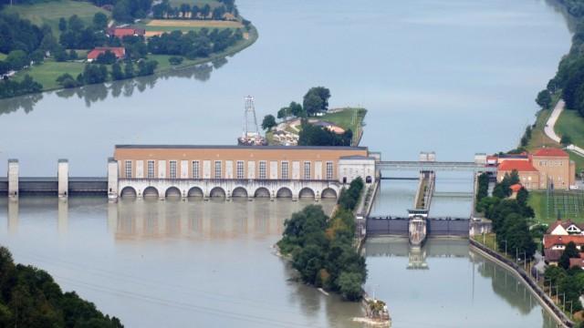 Wasserkraftwerk Jochenstein an der Donau, 2006