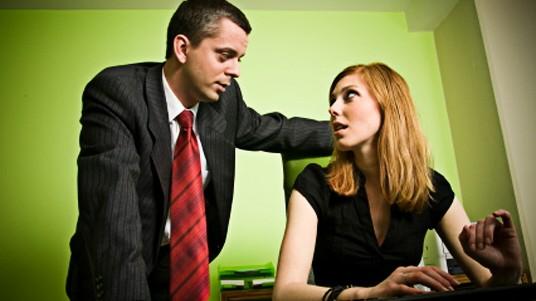 Körpersprache Weibliche Körpersprache im Job