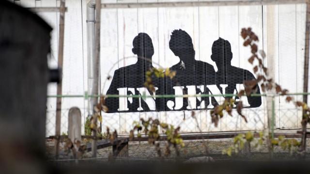 Razzien und weitere Festnahme in Neonazi-Szene