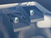 Fahrer denkt, Auto lenkt - und umgekehrt Kameras in einem Versuchsträger