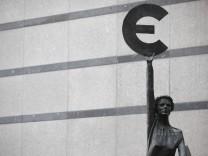 Deutsche Bank braucht angeblich bis zu drei Milliarden Euro