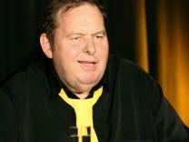 Fischers Kabarettprogramm feiert Premiere