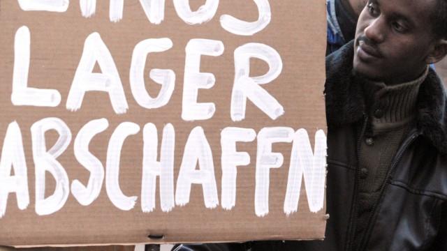 Aktivisten: Asylbewerber-Unterkünfte sind menschenunwürdig