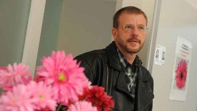 Schwul Schwuler Priester Peter Priller
