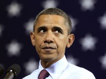 Obama talks about payroll tax cuts in Scranton, Pennsylvania