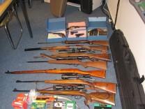Beschlagnahmte Waffen von Rechtsextremen in Bremen