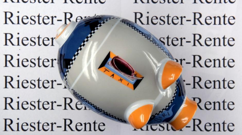 Studie: Riester-Rente oft nicht besser als ein Sparstrumpf