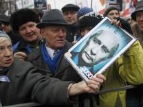 Wut auf Russlands starken Mann: Russen demonstrieren gegen Premier in Moskau