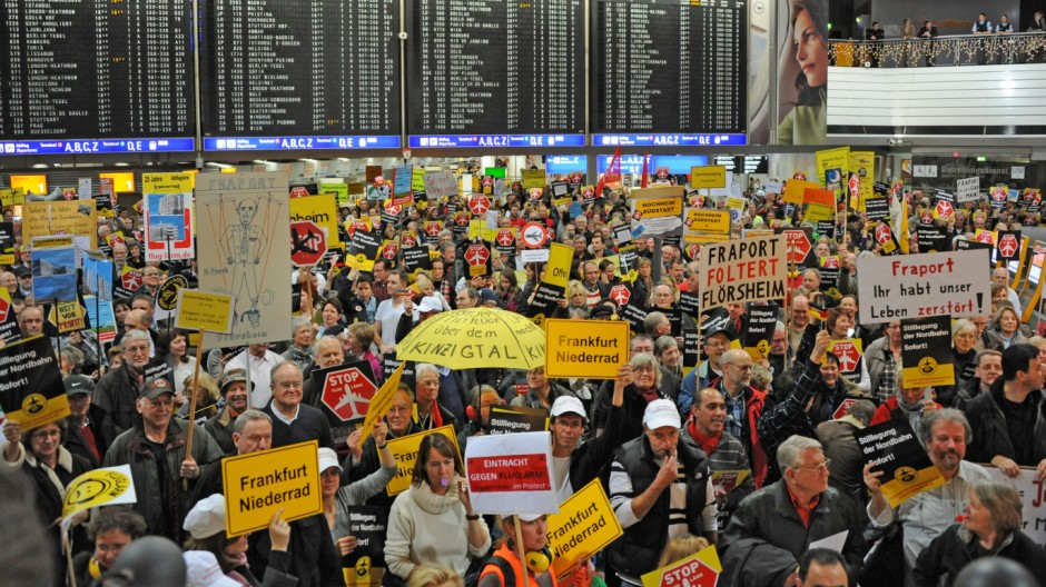 Demonstration gegen Fluglärm