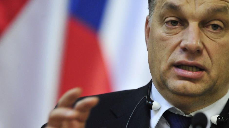Victor Orbán Orban baut Ungarns Rechtsgrundlagen um