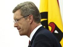 Jahresrueckblick Dezember 2011 - Bundespraesident Wulff unter Druck