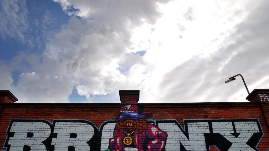 jagd auf graffiti sprayer in m nchen illegalen zeichen auf der spur m nchen s. Black Bedroom Furniture Sets. Home Design Ideas