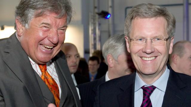 Jürgen Großmann (l) und Ministerpräsident Christian Wulff RWE Bundespräsident