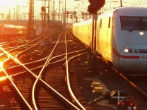 Bahn startet Fahrplan 2005