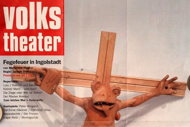 Theaterplakat mit Frosch am Kreuz, 2004