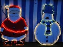 Viele Weihnachtslichterketten weisen Sicherheitsrisiken auf
