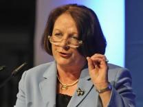 Leutheusser-Schnarrenberger warnt in NPD-Debatte vor 'Desaster'