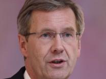 Olaf Glaeseker, Presidential Speaker, To Quit