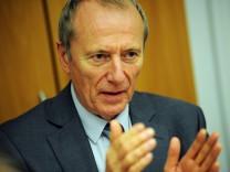 Josef Monatzeder bei einer Pressekonferenz in München, 2011