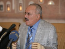 Yemen's President Ali Abdullah Saleh addresses a meeting of his General People's Congress party in Sanaa