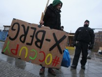 Police Evict Occupy Protesters From Tent Camp