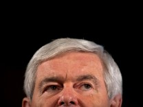 Gingrich Campaigns In New Hampshire One Day Before Primary