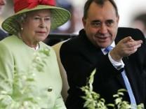 Queen Elizabeth II, Alex Salmond