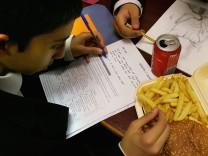 Schoolchildren Still Lured To Traditional Unhealthy Diet Options
