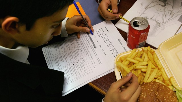 Schoolchildren Still Lured To Traditional Unhealthy Diet Options