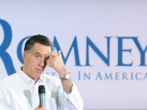 Mitt Romney campaigns in South Carolina