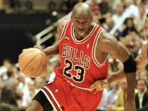 NBA CHICAGO BULLS GEGEN UTAH JAZZ