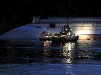 Lage nach der Havarie der 'Costa Concordia' vor Italien