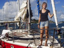 Laura Dekker arrives in the port of St. Martin after her solo tri