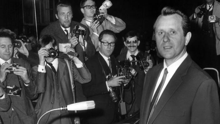 Medien: Benno Ohnesorg von Stasi-Mann erschossen