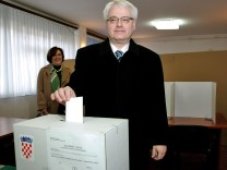 Croats vote in referendum on EU membership