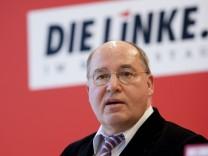 Der Fraktionsvorsitzende der Partei Die Linke im Bundestag, Gregor Gysi, wird vom Verfassungsschutz beobachtet.