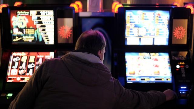 Automatenhersteller ruegen neuen Gluecksspielstaatsvertrag