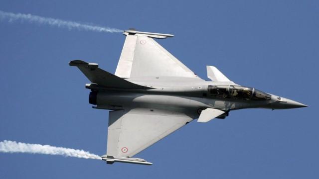 France's Dassault combat jet offer wins India deal