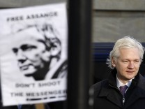 WikiLeaks founder Assange arrives at the Supreme Court in London