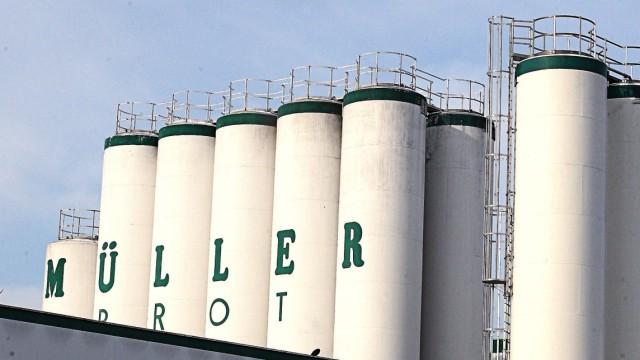 Müller-Brot Kontrolleure bei Großbäckerei